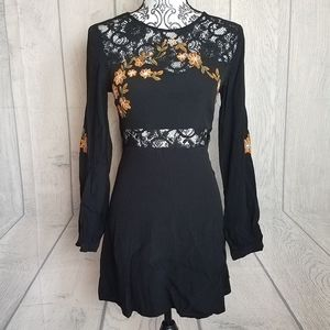 Forever 21 Floral Lace Long Sleeve Dress